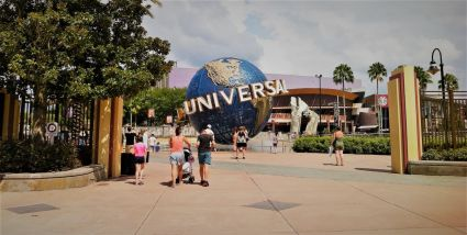 Rent mobility scooters and wheelchairs at Universal Orlando Resort