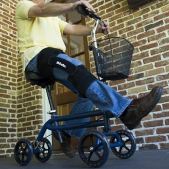 Seated Manual Scooter rentals in San Antonio - Cloud of Goods