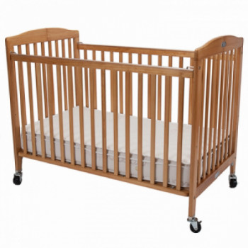 Full-size Crib with Linens rentals in Atlantic City - Cloud of Goods