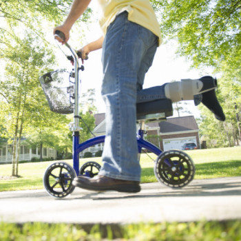 Knee Scooter with Basket rentals in San Antonio - Cloud of Goods