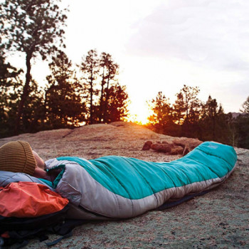 3 season sleeping bag 20f/-7c rentals in  - Cloud of Goods